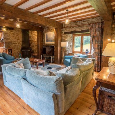 New Edgecombe Barn -1.jpg